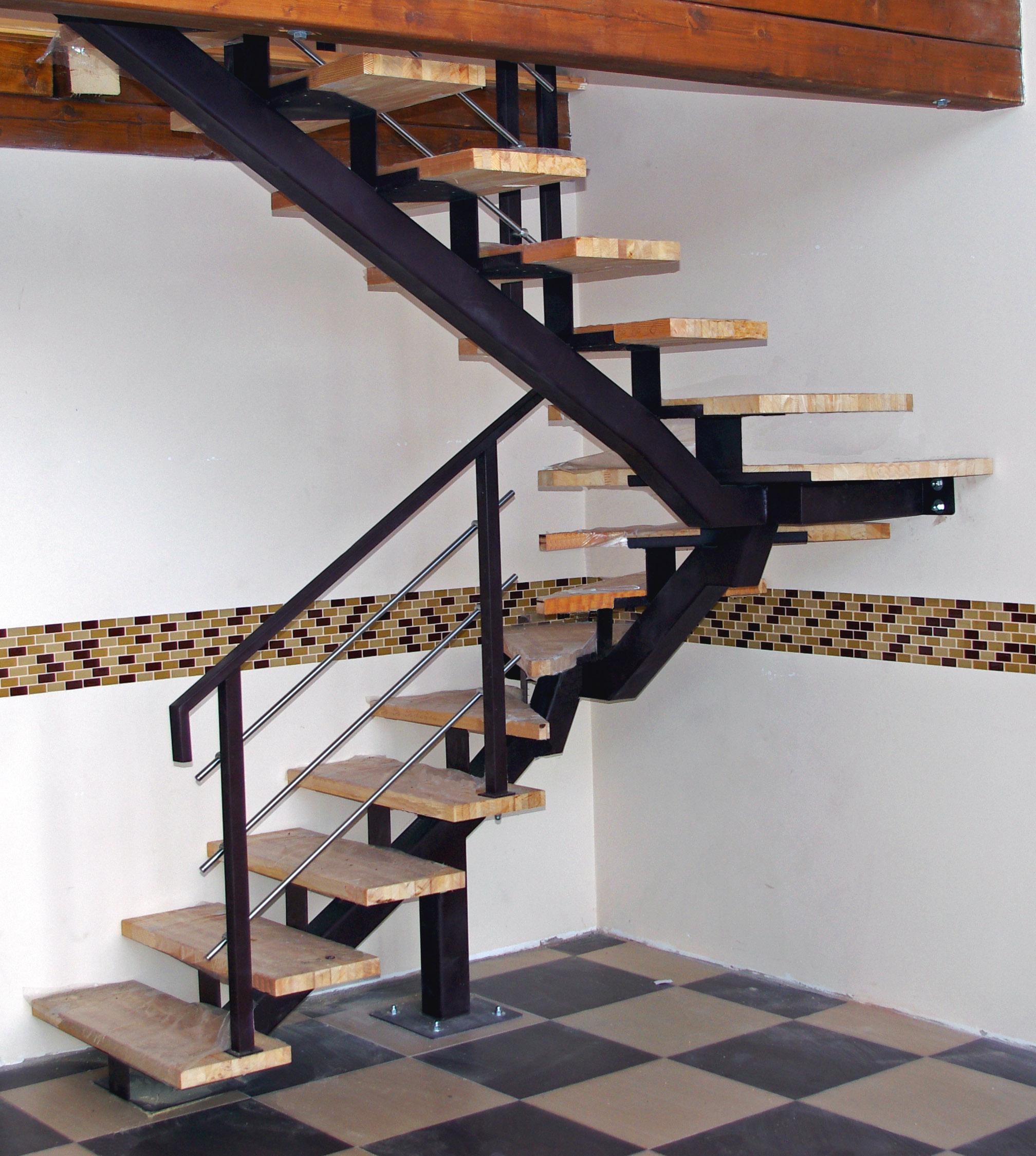 Лестницы из металла фото